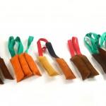 Beißwürste in verschidenen Größen aus Leder